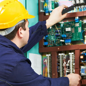 Support Engineer carrying out audit